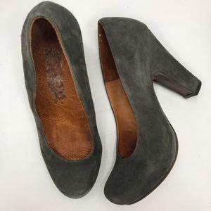 Chie Mihara olive green heels